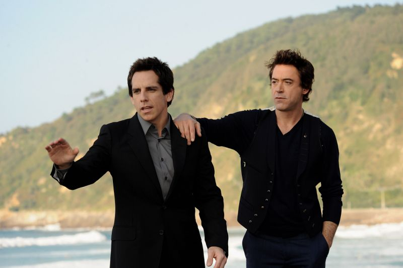 "SAN SEBASTIAN, SPAIN - SEPTEMBER 20: Actors Ben Stiller (L) and Robert Downey Jr. (R) attend ""Tropic Thunder"" photocall at the Kursaal Palace during the 56th San Sebastian International Film Festival on September 20, 2008 in San Sebastian, Spain (Photo by Carlos Alvarez/Getty Images)"
