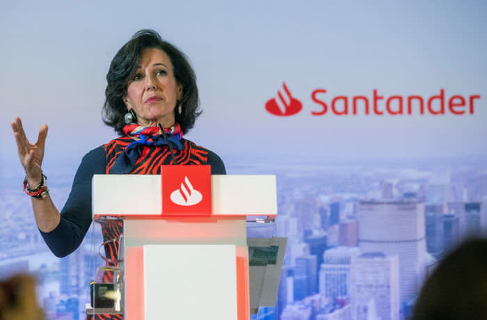 epa08175869 Chairman of Santander Group, Spanish Ana Botin, speaks during a press conference for the presentation of the Spanish bank Santander results of 2019, in Madrid, Spain, 29 January 2020. Santanter bank reports a net profit of 6.515 million of euros in 2019, 23 percent less than same period of 2018. EPA-EFE/RODRIGO JIMENEZ